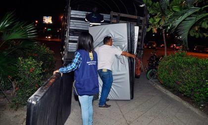 Comenzó evacuación de familias de edificios en riesgo de colapso en Cartagena