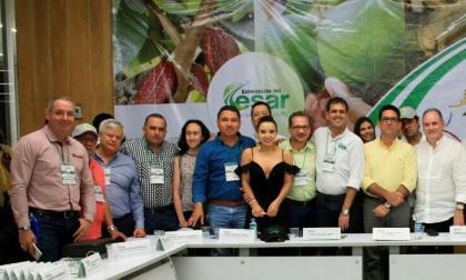 Minagricultura, Juan G. Zuluaga, acompañado del gobernador del Cesar, Franco Ovalle, y secretarios de Agricultura.