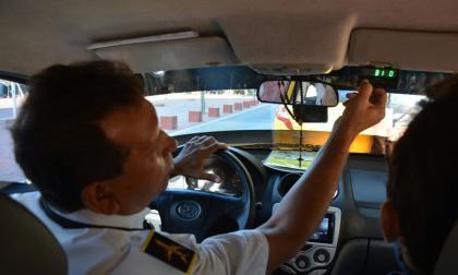 Taxímetro para 3.583 carros en Santa Marta