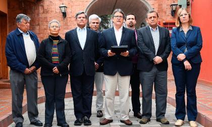 Gobierno y Eln reanudan diálogos este jueves en Quito