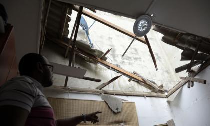 Un adulto mayor se salva de morir tras caída de una paredilla en El Recreo