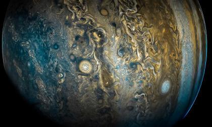 Sonda de la Nasa revela la posible existencia de chorros de agua en luna de Júpiter