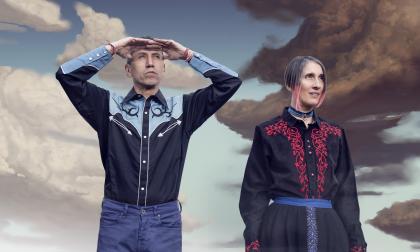 Héctor Buitrago y Andrea Echeverri en la sesión de fotos del disco.