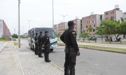 Esmad de la Policía vigila desde ayer Las Gardenias