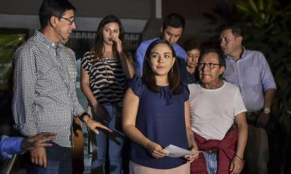 """""""Son 88 días de tortura psicológica y emocional"""": familias de periodistas ecuatorianos asesinados"""