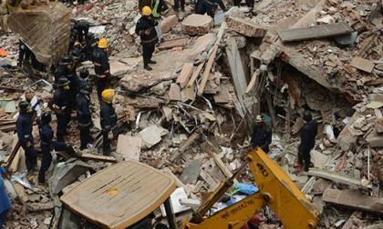 Colapsa edificio en construcción con trabajadores adentro en India
