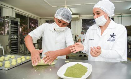 Aprendices e instructores crearon las harinas.