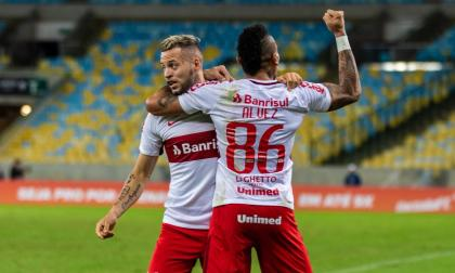 Jonatan Álvez vuelve a marcar en Internacional