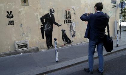 El artista callejero dice no cobrar por su arte.