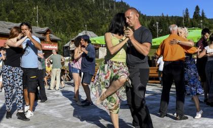 """""""Terapia de tango"""" en las montañas de Montenegro"""
