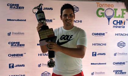 Gómez celebra en el Torneo CHM de golf