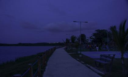 Visitantes de lago El Cisne se quejan por parque sin luz