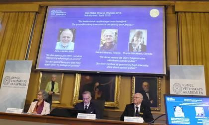 Arthur Ashkin, Gérard Mourou y Donna Strickland: los ganadores del Nobel de Física