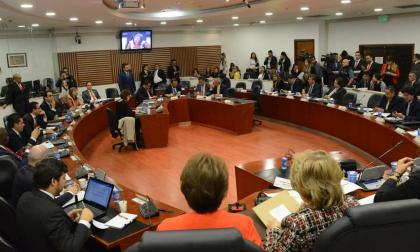 No hay derecho de violar la voluntad popular de los electores: Ángela Robledo