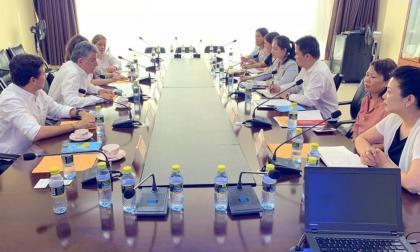A la izquierda los miembros de la delegación de Sucre, encabezada por el gobernador Edgar Martínez Romero.