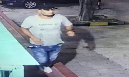 En video   Delincuente atraca en puesto de comida rápida en Delicias y huye en un taxi