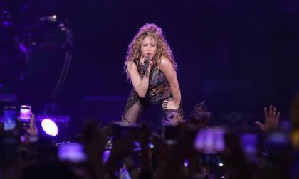 Shakira en la presentación del sábado en Bogotá, que duró 110 minutos.