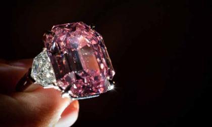 El diamante rosa, vendido por casi 50 millones de dólares