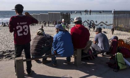 Migrantes centroamericanos, a un paso de San Diego, EEUU