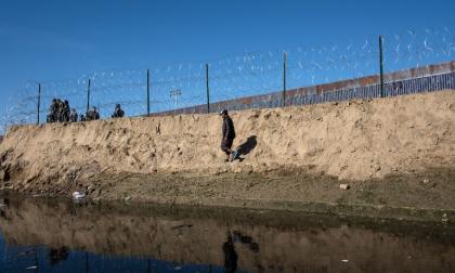 Desilusión en caravana migrante tras intento frustrado de cruzar frontera con EEUU