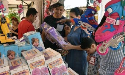 Son 816 vendedores informales que atenderán en las ferias de Navidad
