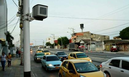 Cámara de fotomulta ubicada en la calle Murillo con cercanía a la carrera 21.