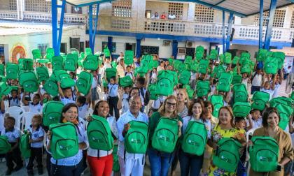Regresan a clases 207.000 estudiantes de colegios distritales
