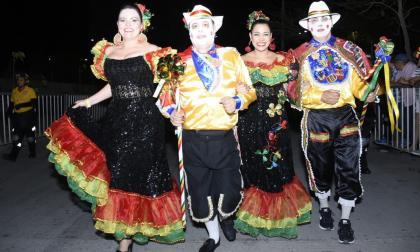 El Garabato de Emiliano abrió los desfiles en B/quilla