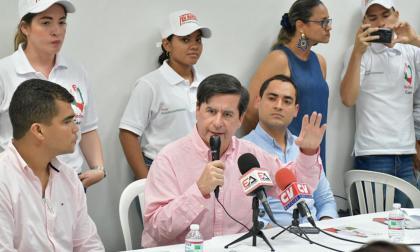 Juan Fernando Cristo, exministro del interior.