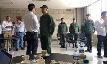 En video   Trece militares venezolanos han desertado y llegado a Colombia; Guaidó los recibió