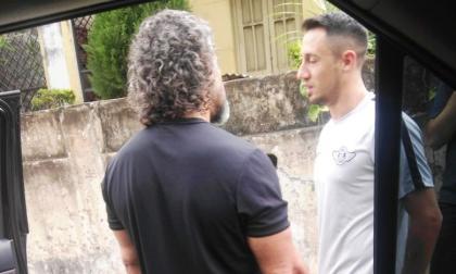 Leonel Álvarez sale de Libertad y le bloquean su entrada a la sede