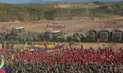 Maduro ordena ejercicios cívico-militares para proteger el sistema eléctrico