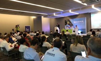 El presidente del Grupo Argos, Jorge Mario Velásquez, interviene en la Asamblea de accionistas de Cementos Argos.