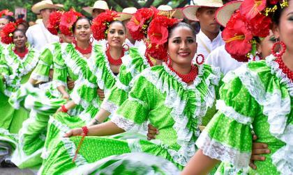 Las piloneras y su homenaje a 'La Polla' Monsalvo
