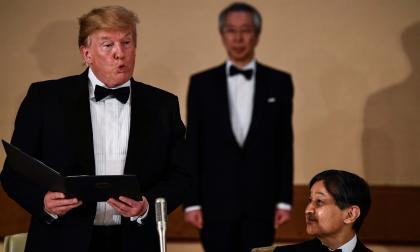 Donald Trump durante un banquete estatal en Tokio.