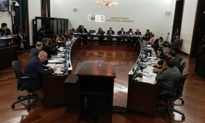 Durante el debate en la Comisión Primera del Senado de la República.
