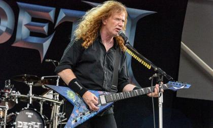 Le detectan cáncer de garganta a exguitarrista de Metallica