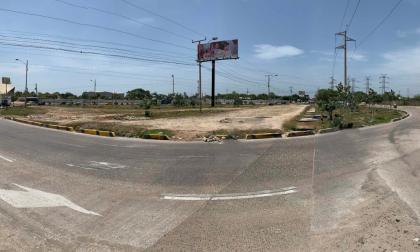 Panorama de la rotonda de la Avenida Circunvalar con la Avenida Las Torres de Soledad, lugar en donde sería construido el monumento a Junior de Barranquilla.