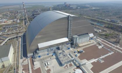 Ucrania inaugura cúpula gigante que cubre reactor accidentado de Chernóbil