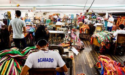 Producción de confecciones en fábrica ubicada en el norte de Barranquilla.