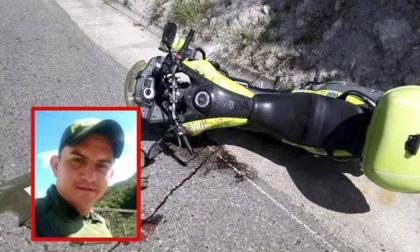 Estado en que quedó la moto de los dos uniformados muertos en Ábrego.