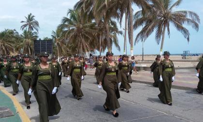 En Riohacha desfile cívico, militar y folclórico para celebrar el 20 de julio