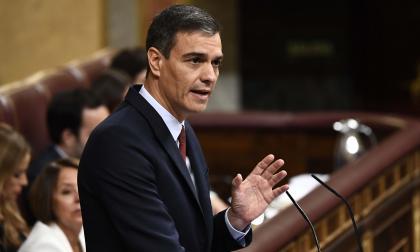 Pedro Sánchez comienza su carrera contrarreloj para ser reelegido en España