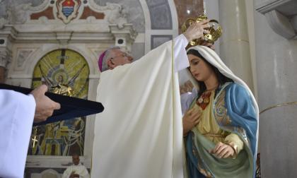El Nuncio corona a la patrona de la Diócesis de Sincelejo