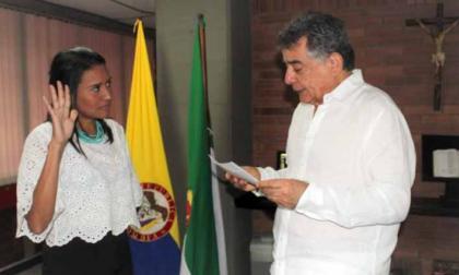 Escándalo por 'contratos políticos' en el Inder Sucre