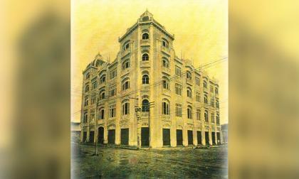 Fotografía del antiguo  Edificio Palma, demolido en 1955.