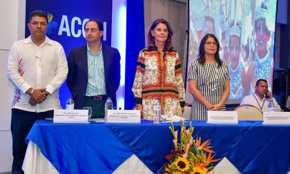 Jairo Palacio, José Manuel Restrepo, Marta Lucía Ramírez y Rosmery Quintero en el Congreso Mipyme.