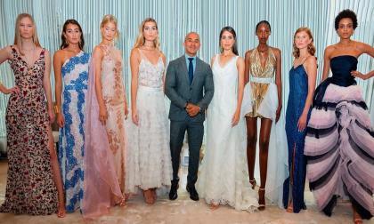 Por primera vez un diseñador colombiano tiene el honor de abrir la semana de la Moda en Nueva York. Lo hizo el caleño Raúl Peñaranda, quien es además el primer latino que presenta su colección en el marco de la Fashion Week. Sus diseños están inspirados en las mujeres palenqueras de Cartagena.