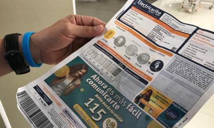 Recibo de Electricaribe y facturación a estrato 4 en Barranquilla.