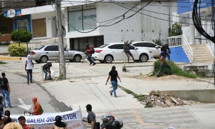 En video | Encapuchados atacan comando de Elsa Noguera